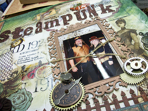 Steampunkcanvas_upclose