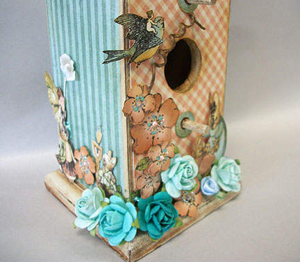 Springtimebirdhouse_upclosebottom